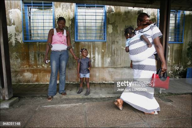 A woman who has come to seek advice at the Pointe Noire CTA in the framework of the risk reduction of HIV transmission from mother to child programme...