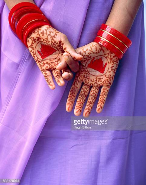 woman with bodypainting (mehndi) on her hands - hugh sitton stock pictures, royalty-free photos & images