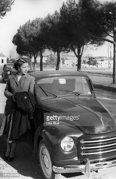 Frau mit dem Auto, 1938.Black und weiß