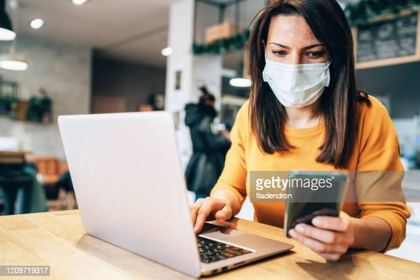 woman with face protective mask - prevention imagens e fotografias de stock