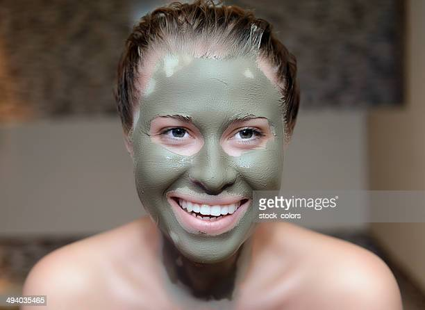 Femme avec Masque de beauté