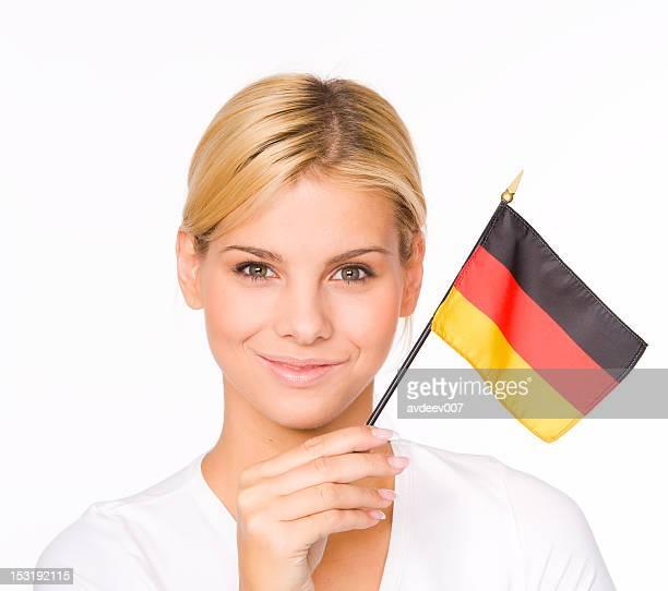 Frau mit Deutschland-Flagge