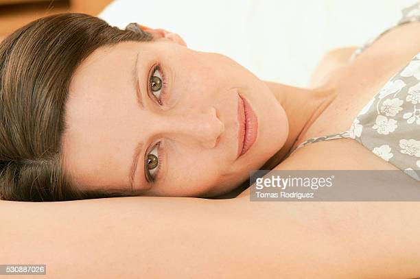 woman with green eyes - female armpits stock pictures, royalty-free photos & images