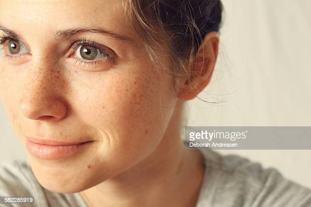 woman with green eyes - green eyes stock pictures, royalty-free photos & images