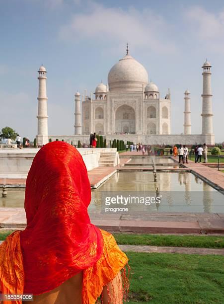 Femme et le Taj Mahal