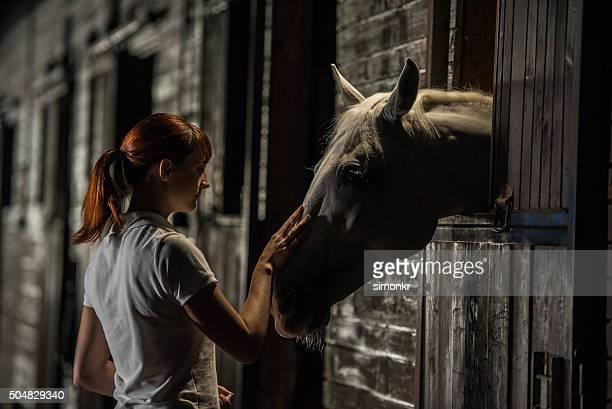 Femme avec le cheval