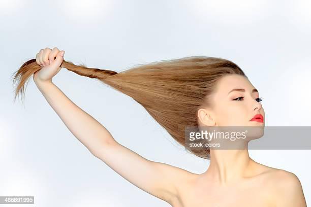 Femme avec les cheveux longs