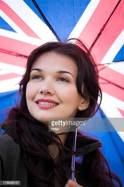Femme avec parapluie Union Jack