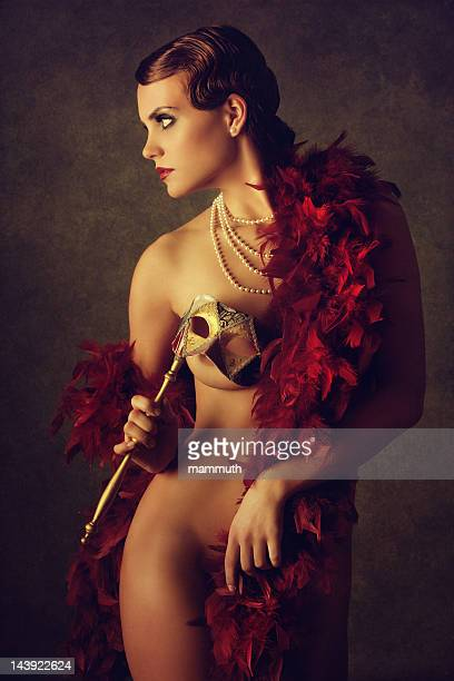Donna con Maschera veneziana