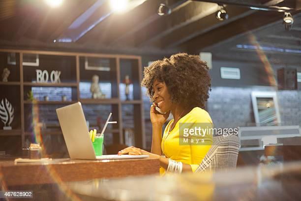 女性のカフェ