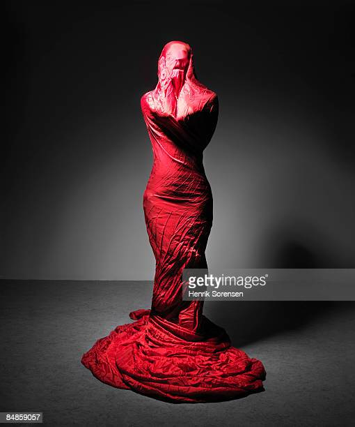 Woman wrapped in Red cloth 4