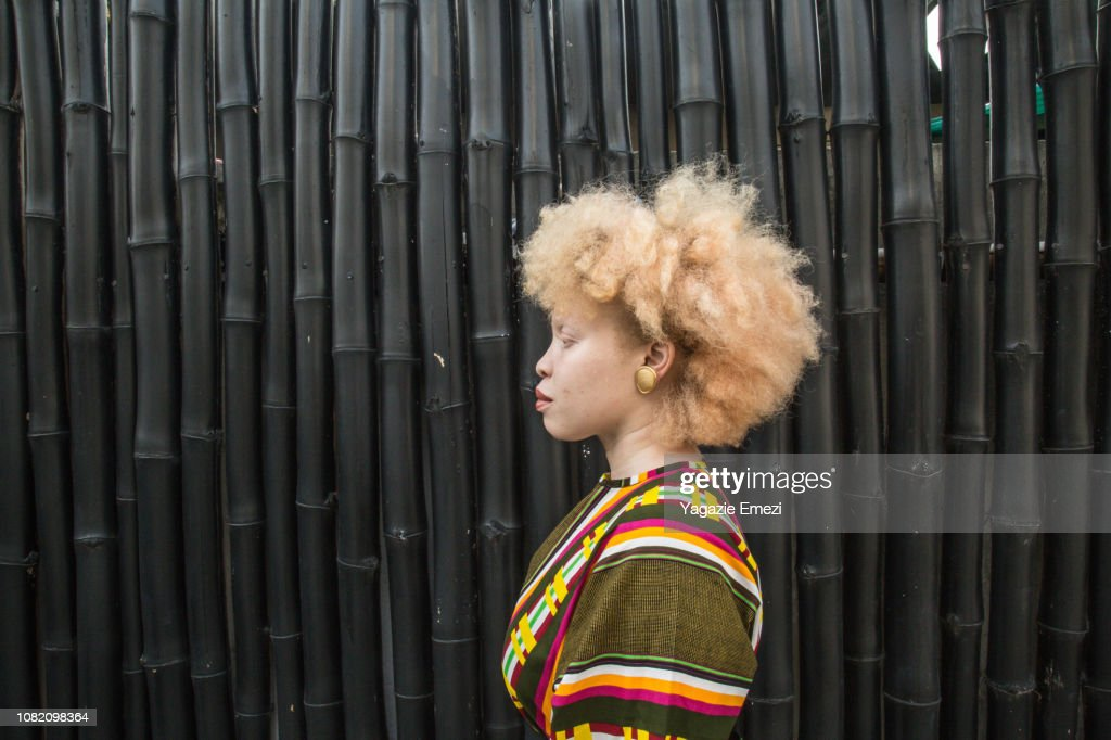 Side profile of a woman : Stock Photo