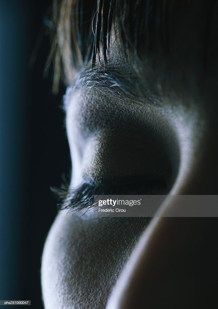 Woman's face, eyes closed, close-up : Stockfoto