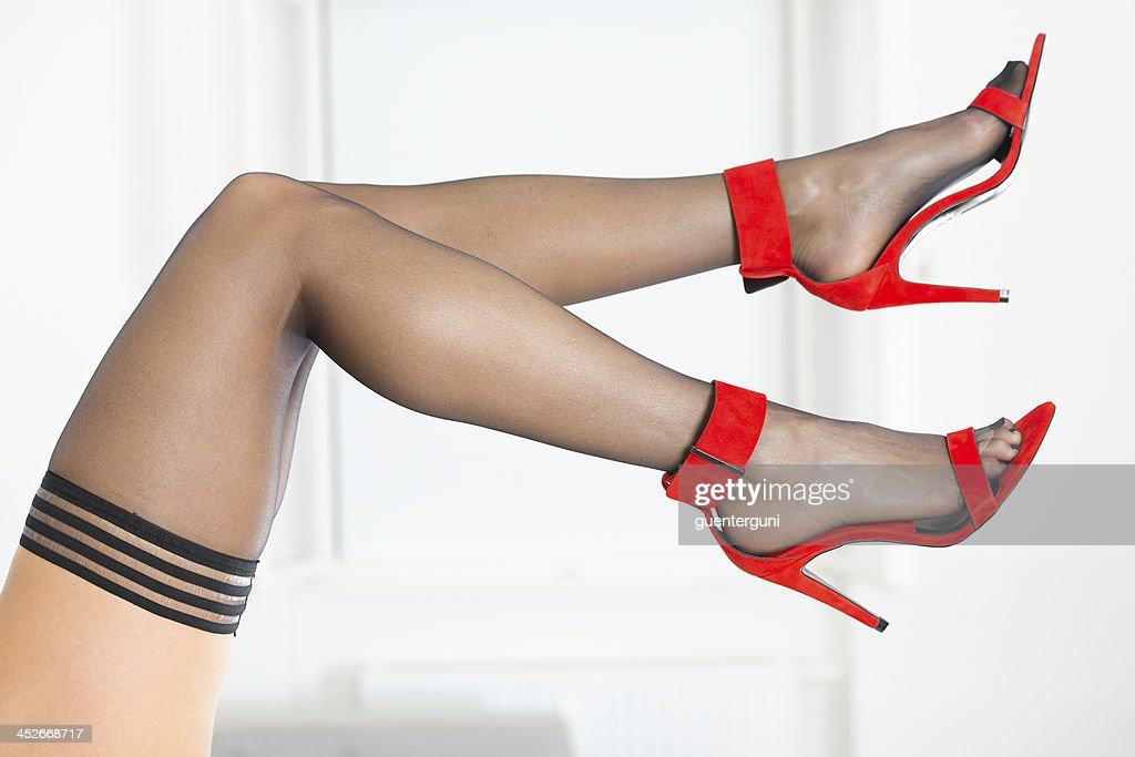 предсказанию Густава изящные ножки в чулках фото сапожки могут