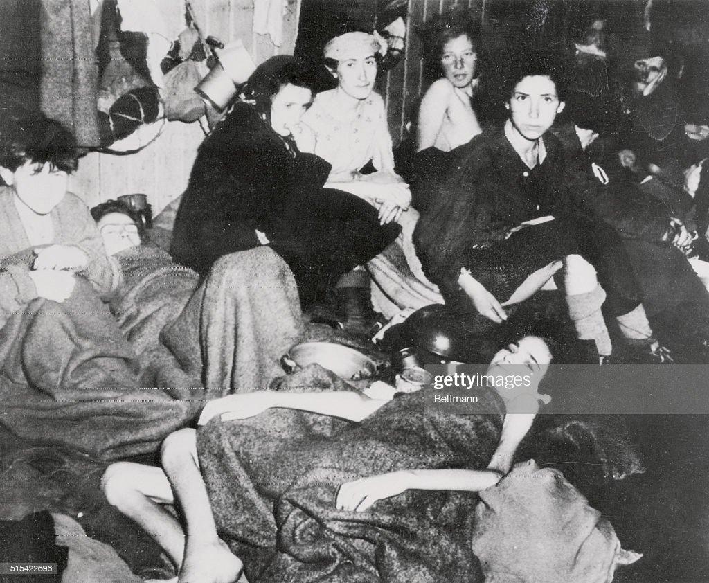 Belsen Concentration Camp : News Photo