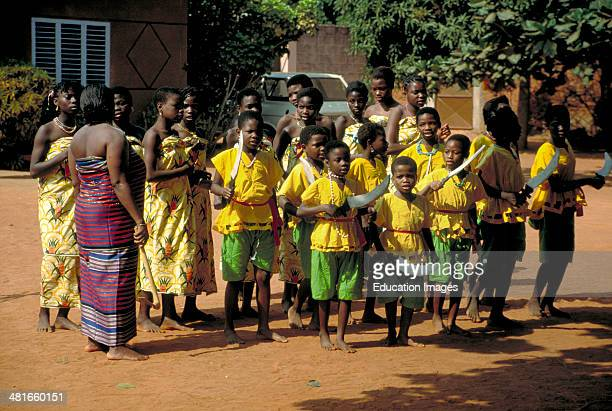 Women and girls dance for the King of Abomey in a tradition honoring the Amazon warriors of the ancient Fon dynasties in the Dahomey Empire It was...