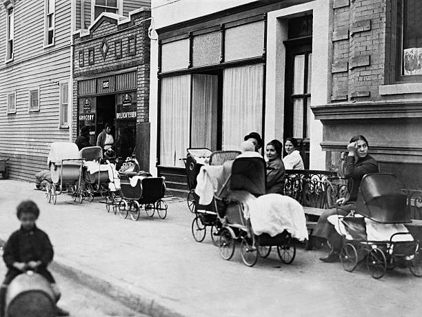 NY: 16th October 1916 - Margaret Sanger Opens The First Family Planning Clinic In The United States