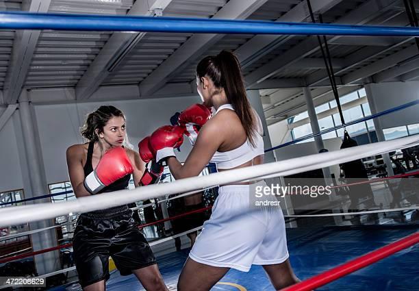Mujeres de boxeo