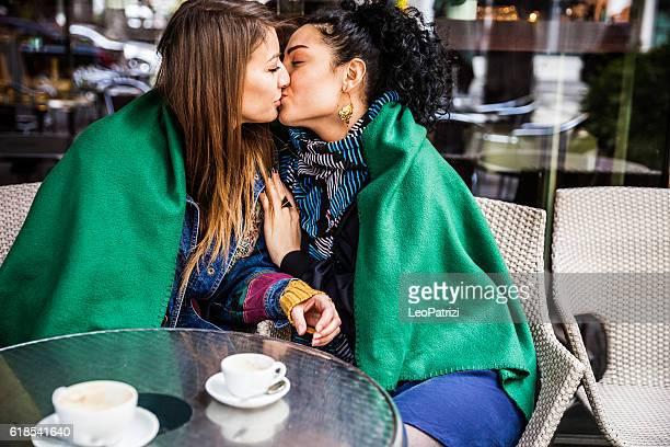 women couple spending great time together at cafè - baisers lesbiennes photos et images de collection