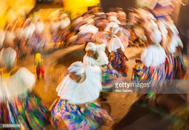 women dance a traditional african dance at the 2014 sao joao festival in sao luis, brazil. - alex saberi stockfoto's en -beelden
