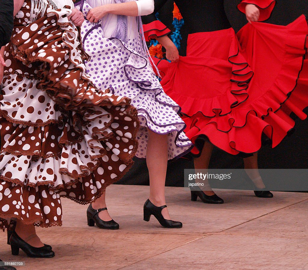 women dancing flamenco : Foto de stock