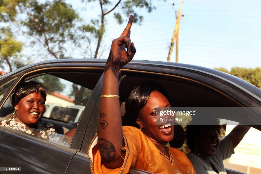 Southern Sudanese Prepare to Take Part in Historic Vote : News Photo