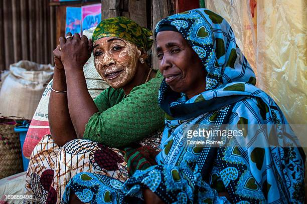 Women faces,sellers, market, bargain, Hell Ville, Nosy Bé, Madagascar, Island, Africa, Travel, Face, Faces, Portrait, Color Mask, woman face...