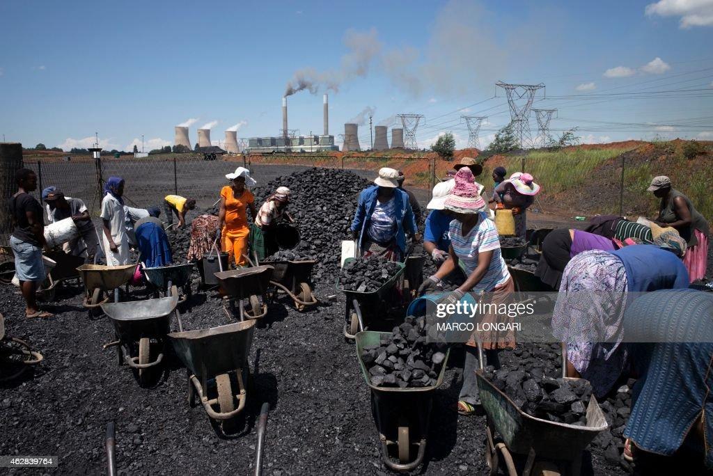 SAFRICA-ECONOMY-ENERGY-MASAKHANE : News Photo