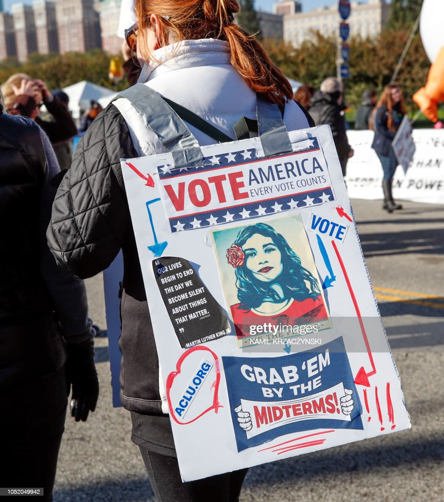 US-POLITICS-WOMEN-DEMONSTRATION-GENDER : News Photo