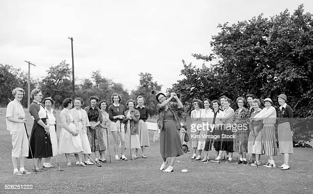 Women golfers together, ca. 1943