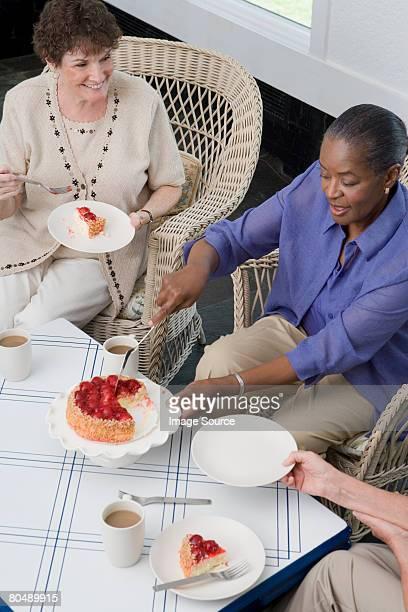 Frauen, Kuchen