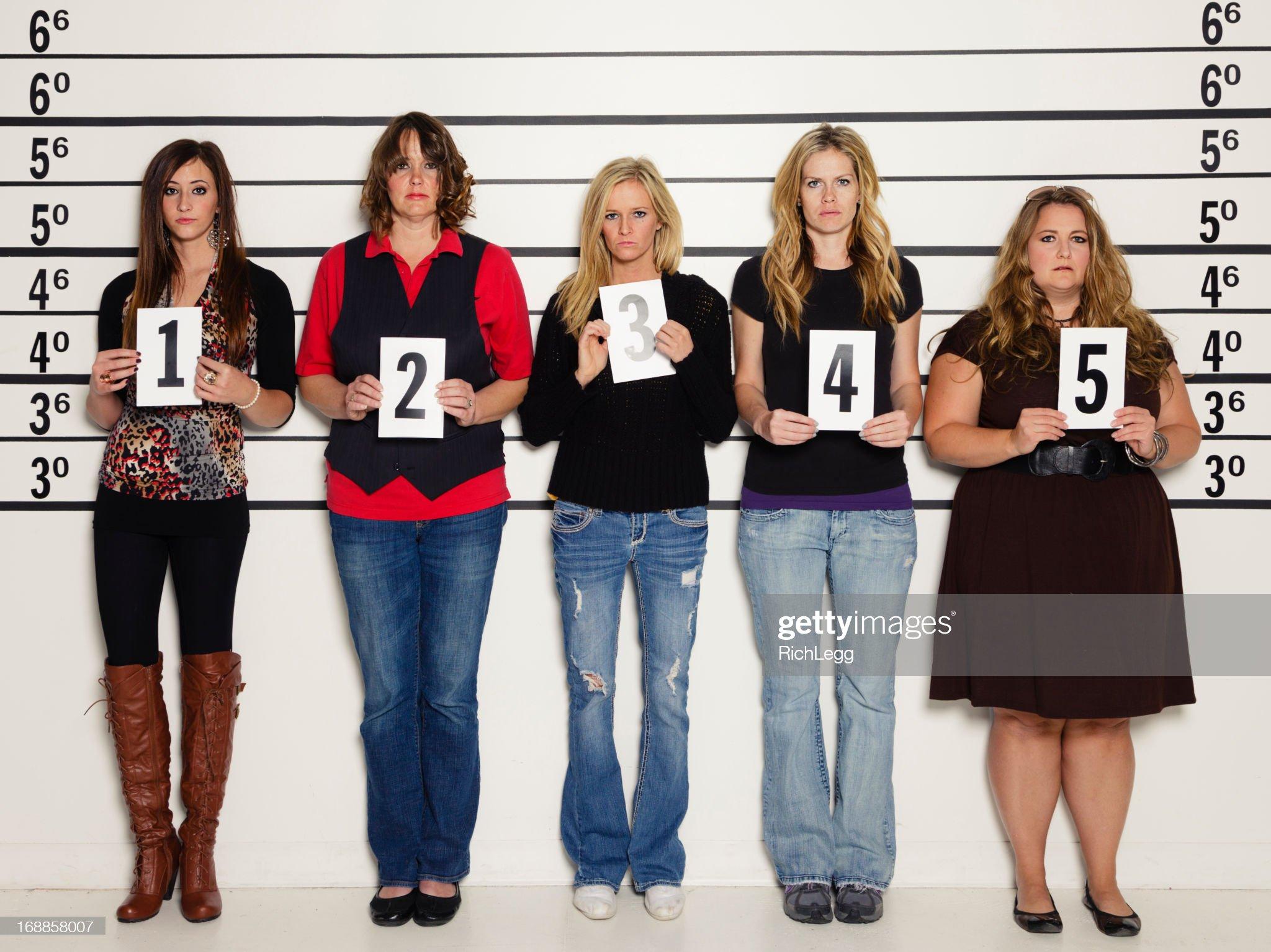 Gente midiéndose en vídeo y foto - Página 2 Women-in-a-police-lineup-picture-id168858007?s=2048x2048