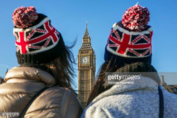 women looking at big ben. - symmetry stock pictures, royalty-free photos & images