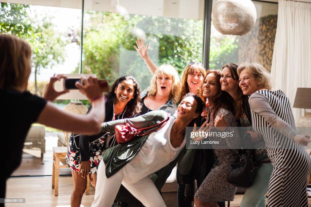 Women posing for group portrait : Stock-Foto