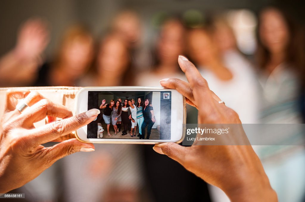 Women posing for group portrait : Stockfoto