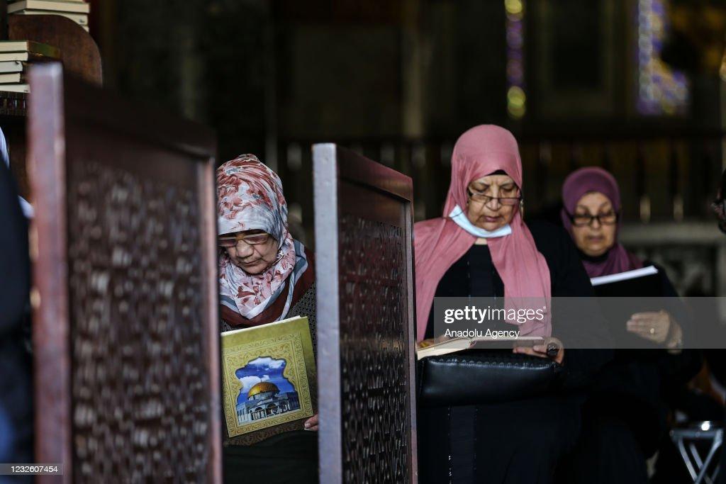 Third Friday prayer of Ramadan at Al-Aqsa : News Photo