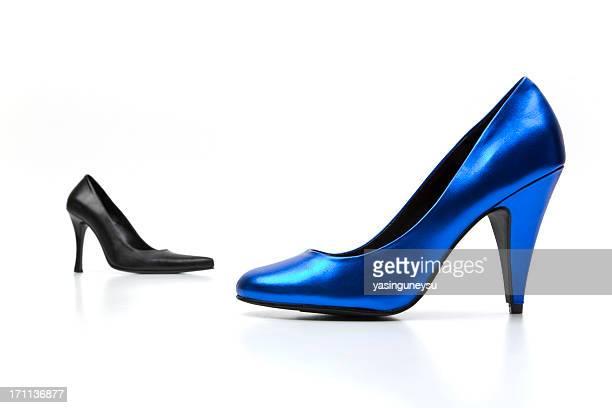 femmes chaussures series - bleu roi photos et images de collection