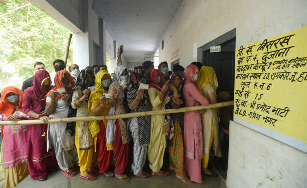 IND: UP Panchayat Election 2021 Phase 2 Voting