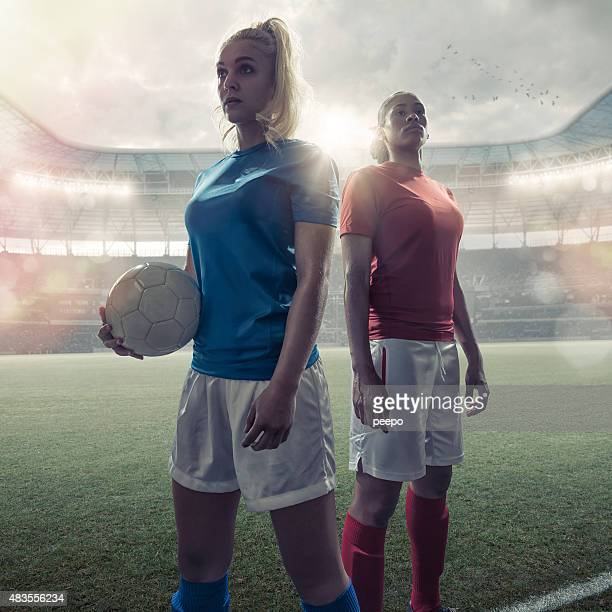 women soccer heroes - women's football stock pictures, royalty-free photos & images