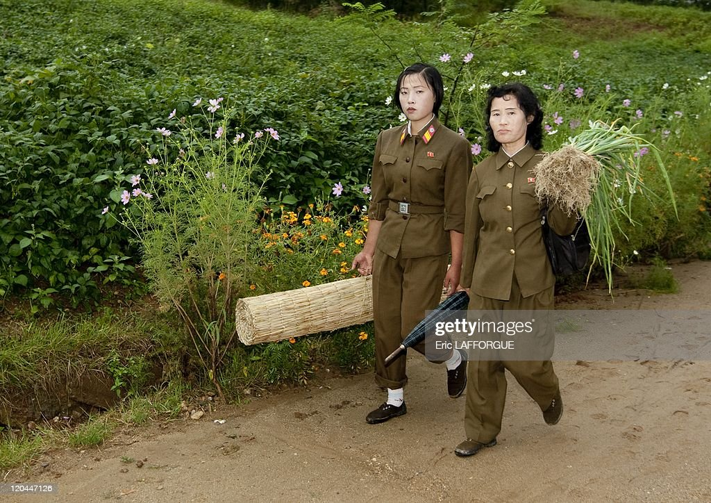 Women Soldiers In Countryside, In North Korea On September 11, 2008 - : News Photo