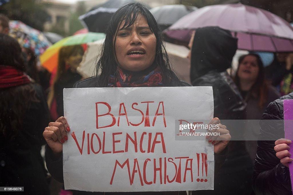 ARGENTINA-CRIME-VIOLENCE-WOMEN : News Photo