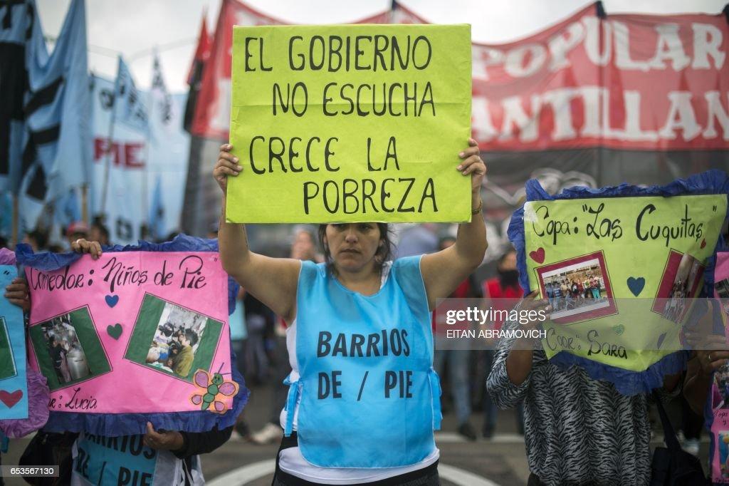 ARGENTINA-POVERTY-PROTEST : News Photo