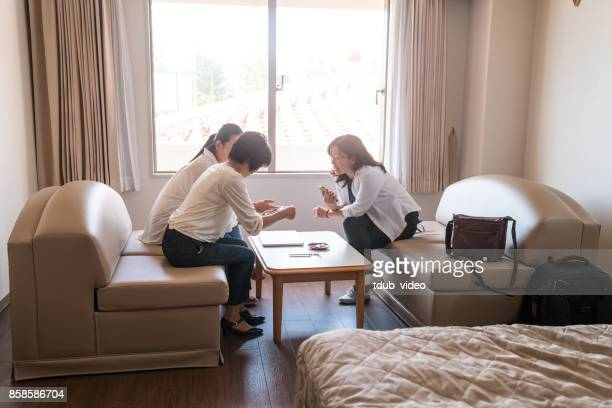 women talking - tdub_video stock pictures, royalty-free photos & images