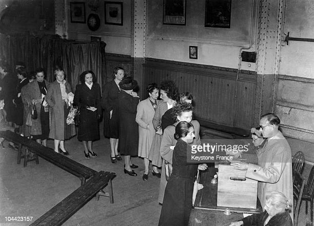 Women Voting On The Referendum Of The Ivth Republic'S Constitution On October 13 1946 5324% Of French Voters Were In Favor Of Adopting This...