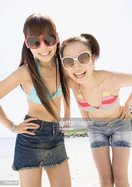 women wearing sunglasses - japanese short skirts stock photos and pictures