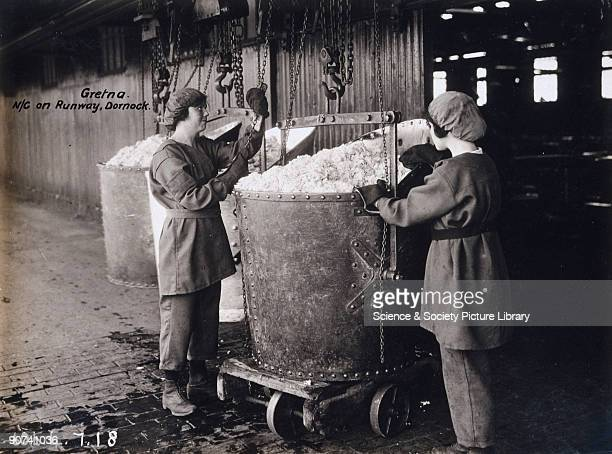 Women workers outside the stores A huge cordite explosive factory was built at Gretna in 1915 providing employment for over 9000 women during World...