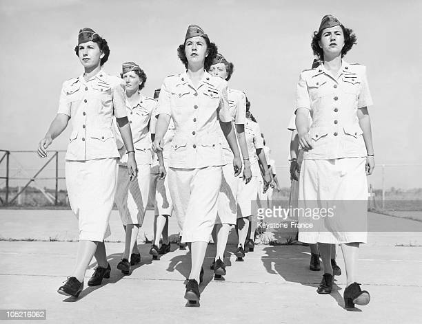 Women'S Auxiliary In The US Navy In Parris Island With The First Twins Recruited Doris And Dorothy Harbin On June 6 1949