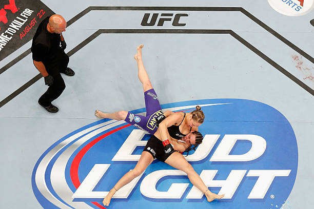 UFC 175: Robertson v Alcantara