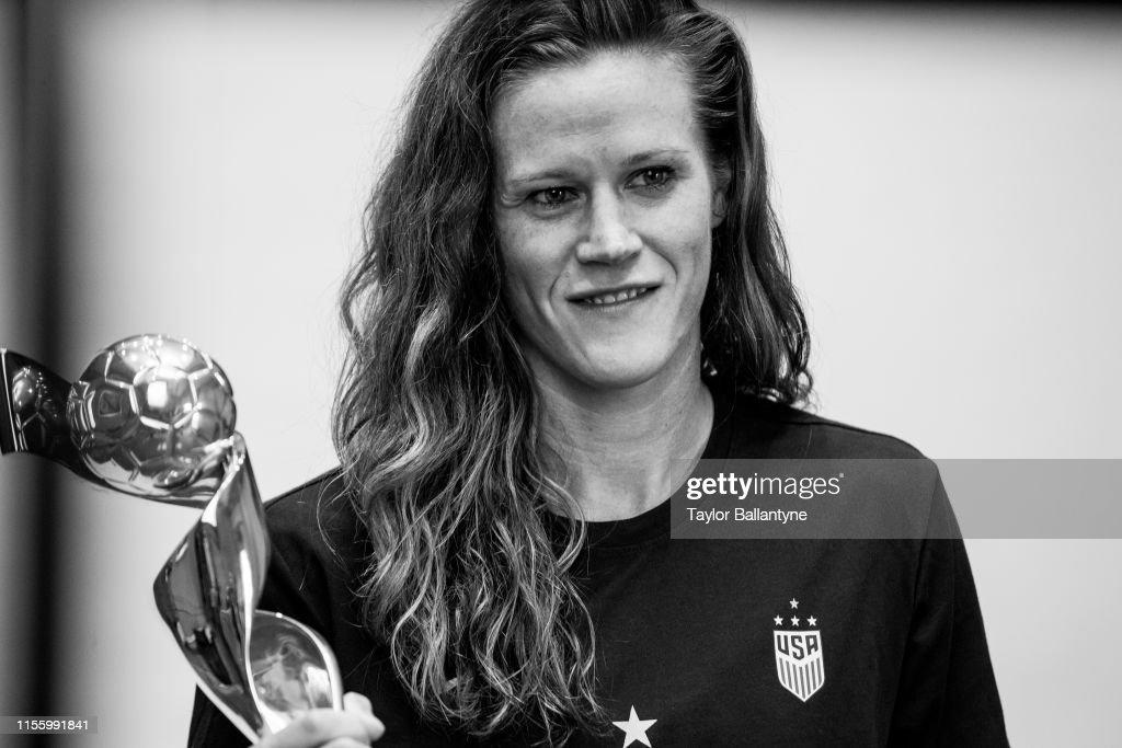 U.S. Women's Soccer Team, Sports Illustrated, July 22, 2019 : News Photo