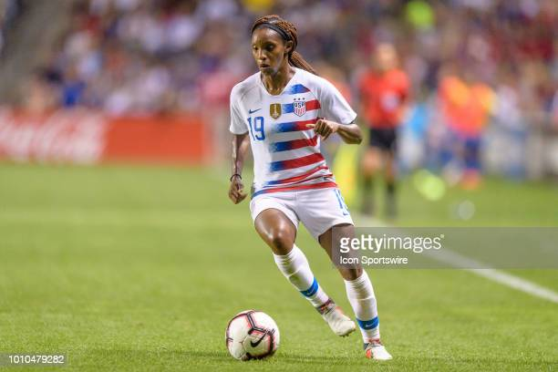 S Womens National Team forward Crystal Dunn attacks with the ball in the 2nd half during a Tournament of Nations international soccer match between...